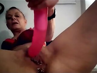 Anal and squirt gf milf with dildo