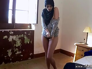 Fat amateur mom 21 yr old refugee in my hotel room for sex