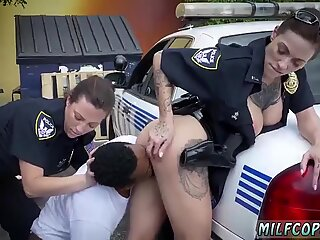 Bouncy ass milf I will catch any perp with a fat ebony dick, and gargle it.