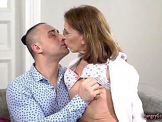 Mature therapist enjoys big cock in her pussy