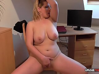 Busty girlfriend puts on a fantastic solo show