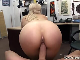 Chubby big tits blue hair and amateur couple show Stripper wants an upgrade!