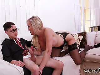 Halloween Special With A Threesome - Kenzie Reeves