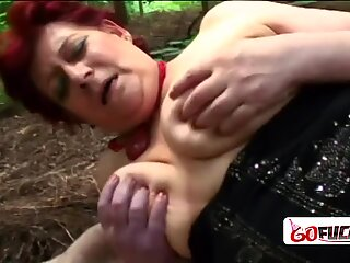 Horny granny Tamara moans loud as she gets her cunt squashed