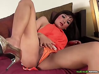 Stood up and plucked for a nice Thai fuck!