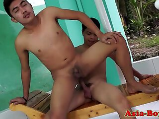 Asian twink creampied outdoors after analsex
