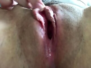 EDGING MY PUSSY TO A VERY WET, LOUD FEMALE ORGASM!